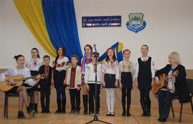 В Глибоцькому ліцеї відбувся конкурс Християнської пісні
