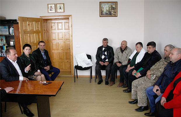 Жителі Тарашан мали можливість поспілкуватися з нардепом