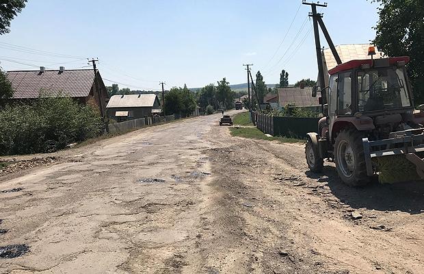 Розпочато ремонт дороги Герца-Тарашани на Станівецькому відрізку