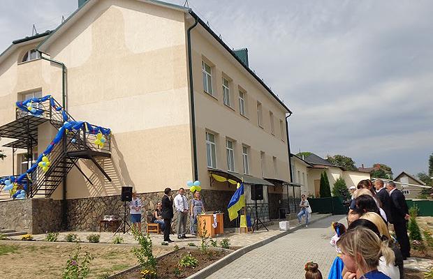 Знакова подія в житті громади с.Коровія: відкрито новий корпус дитячого садка