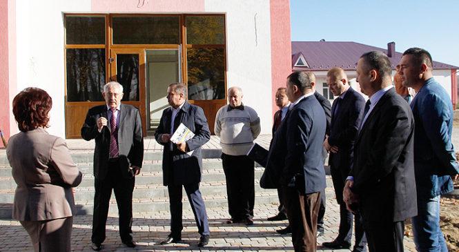 Йорданештську школу відвідали посадовці Чернівецької ОДА