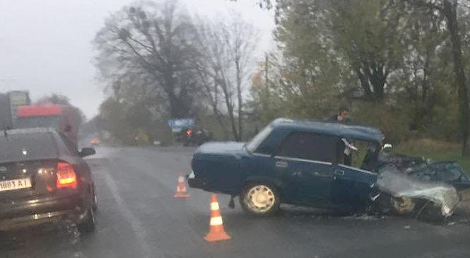 На виїзді із Глибоки сталась аварія