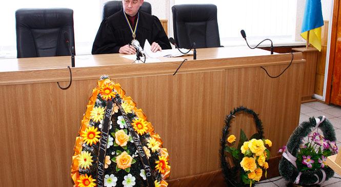 У Глибоці розпочався суд над Кіборгом Валерієм Красняном