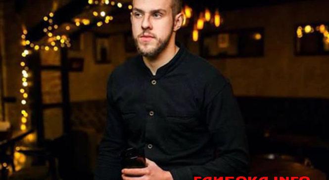 Андрій Рибарчук з Червоної Діброви, що на Глибоччині, пройшов двобій і наблизився до перемоги в Голосі Країни