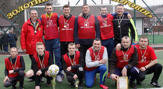 Післяматчеві пенальті виявили переможця зимового чемпіонату з футболу Глибоцького району сезону 2017-2018