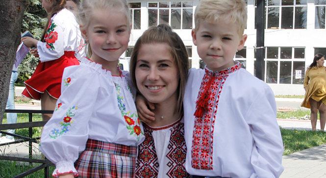 У Глибоці святкують День вишиванки