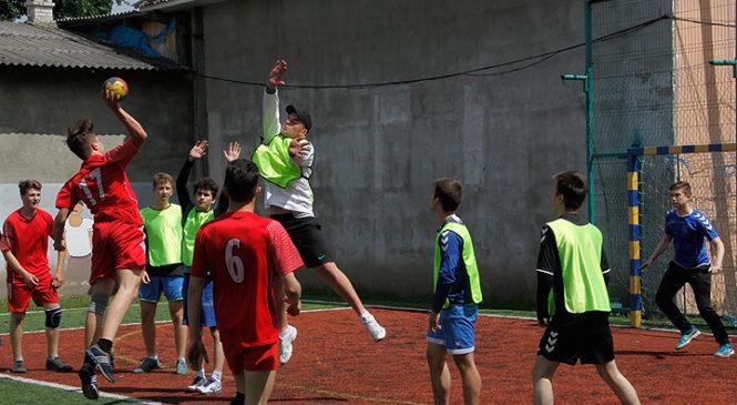 У Глибоці відбулися фінальні змагання з гандболу Чернівецької області