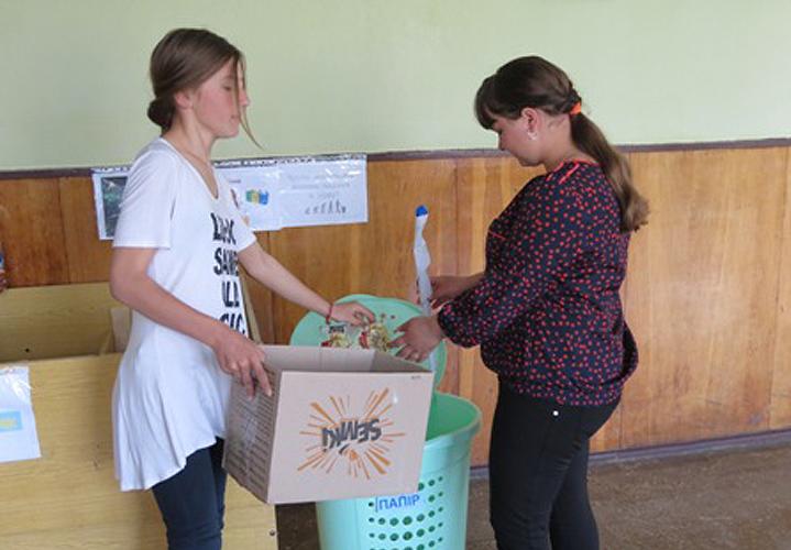 У Турятському НВК розпочали сортування сміття