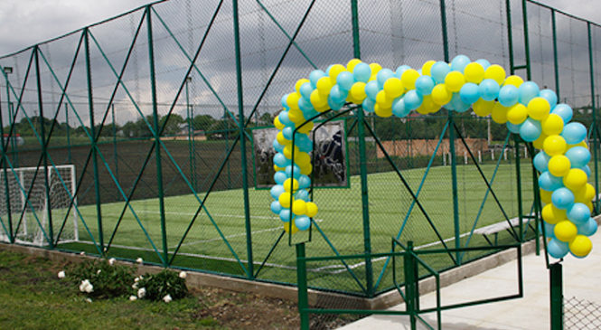 Спортивний майданчик зі штучним покриттям відкрито у селі Волока