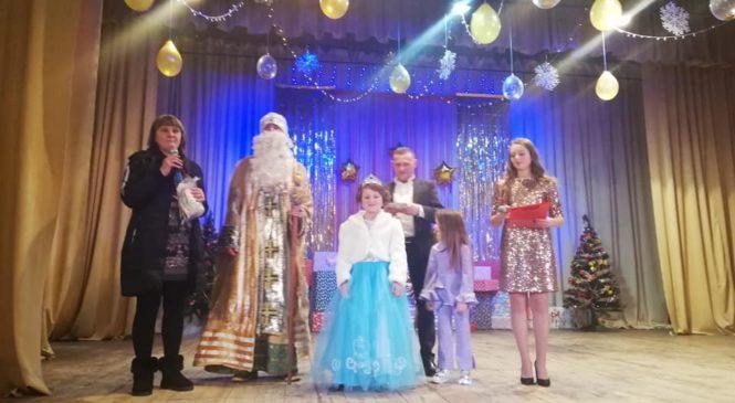 На благодійнмоу звітному концерті Глибоцького РБТД зібрано рекордну суму коштів