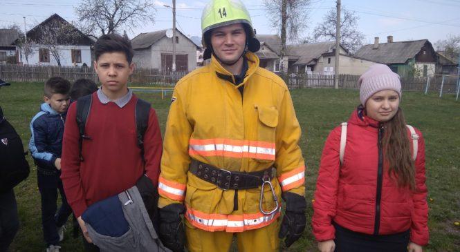 Рятувальники готові прийти на допомогу першими!!