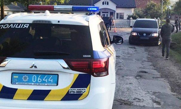 У селі Кам'янка Глибоцького району водійка «Volksvagen» збила односельця, чоловік у лікарні