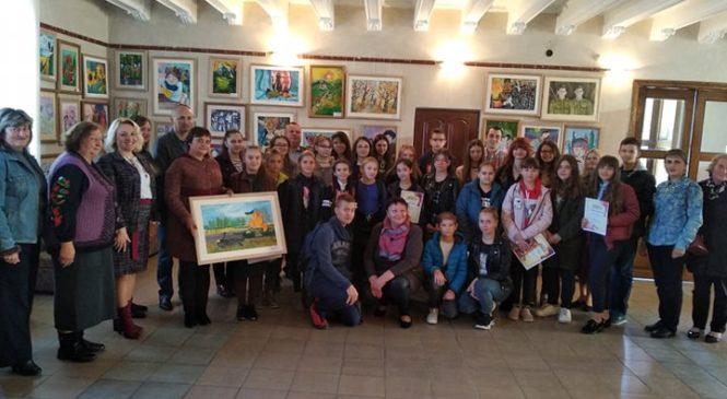 На передодні Дня художника відкрилась виставка робіт юних митців Глибоцької художньої школи