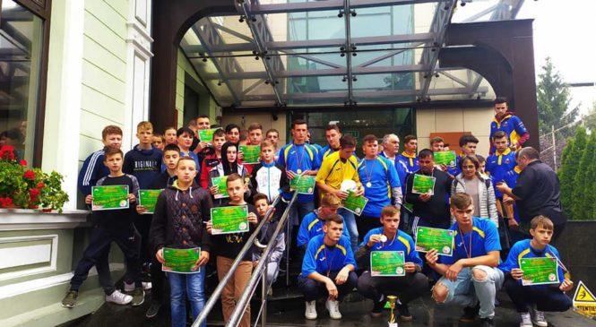 Юні спортсмени Стерченської ЗОШ взяли участь у футбольному турнірі у Румунії