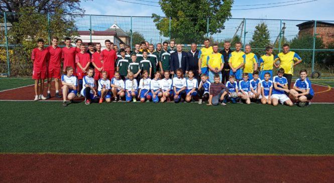 До Дня захисника України, Дня Козацтва та Покрови Пресвятої Богородиці у Глибоці відбувся турнір з гандболу