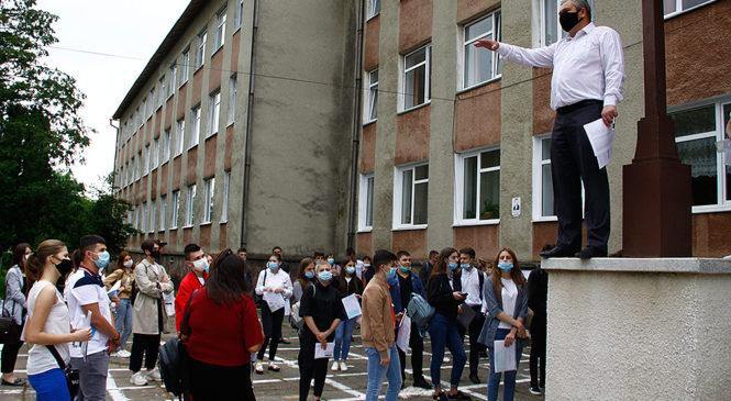 Сьогодні у Глибоці, як і в Україні,  відбулося ЗНО з української мови та літератури