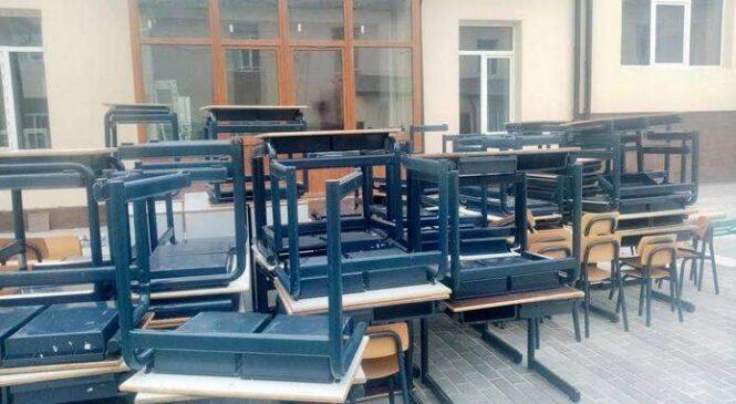 Кам'янській школі Глибоцького району передали гуманітарну допомогу з Нідерландів