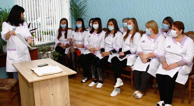 Cемінар на тему «Роль медичної сестри на сучасному етапі розвитку охорони здоров'я» відбувся у Глибоцькому центрі ПМСД