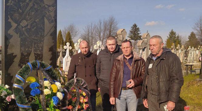 У селі Тереблече, що на Глибоччині, вшанували пам'ять загиблого героя Володимира Анадимба