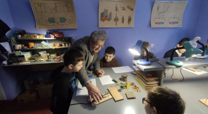 """Гурток """"Радіоелектронного конструювання"""" розпочав свою роботу для закладів освіти Чагорської сільської територіальної громади"""