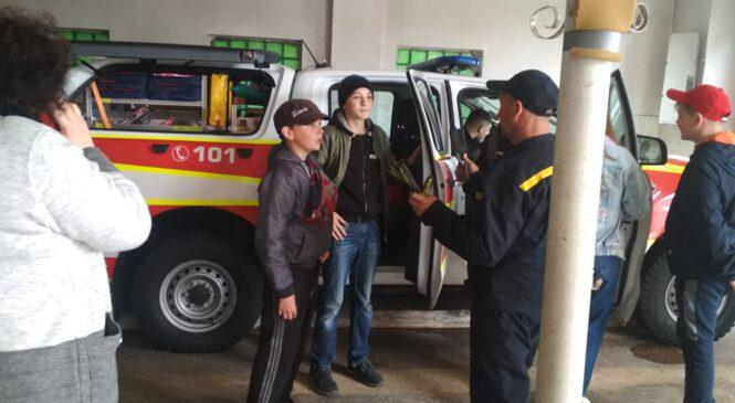 Державну пожежно-рятувальну частину смт Глибока відвідали учні Глибоцької гімназії