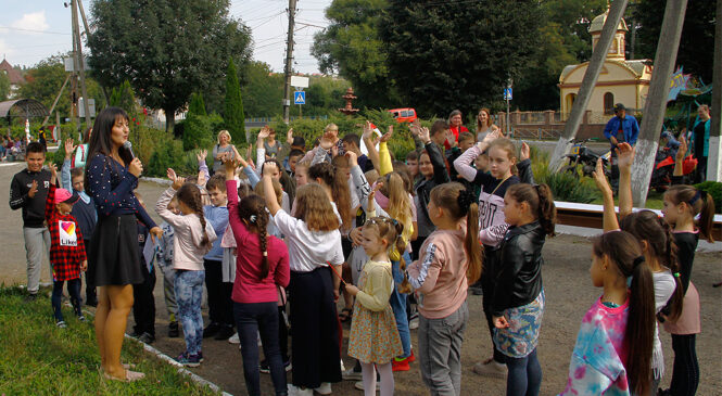 Новий навчальний рік відкрився у Будинку творчості дітей та юнацтва Глибоцької громади (ФОТО)