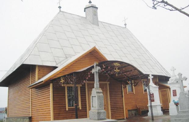 ПІД ПРИКРИТТЯМ НОЧІ у Просіці пограбували церкву