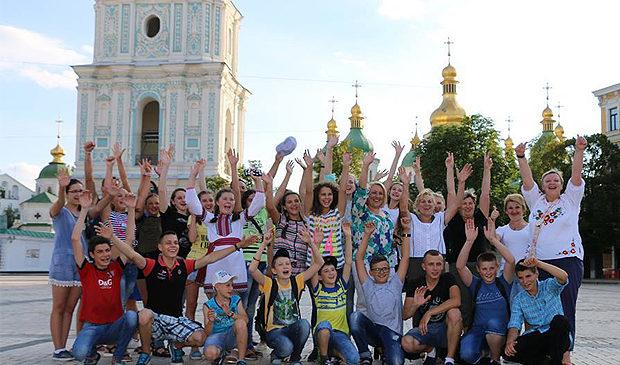 Юні таланти з Глибоччини побували на відпочинку в столиці
