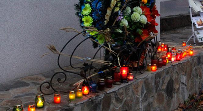 У Глибоці вшанували пам'ять жертв голодомору