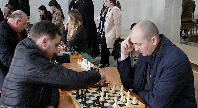 Третій тур спартакіади серед працівників державної служби (шахи-шашки)