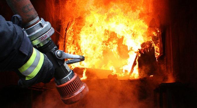 Пожежею знищено – покриття житлового будинку, речі домашнього вжитку