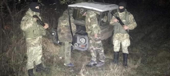 Прикордонники затримали двох буковинців, які намагались полювати неподалік кордону