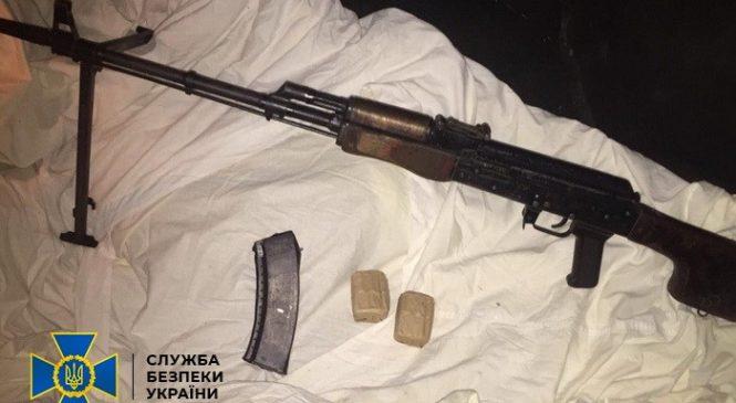 У Чернівцях за торгівлю зброєю засуджено колишнього військовослужбовця-контрактника