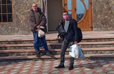 Двоє мешканців Глибоки, які 6 днів прожили на вокзалі в Мілані, повернулися додому