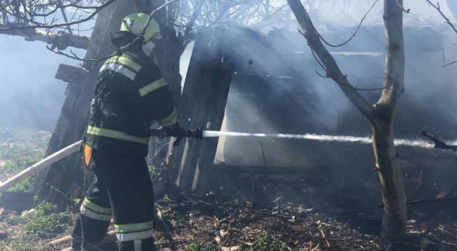 У с. Михайлівка на Глибоччині від пожежі врятували жінку