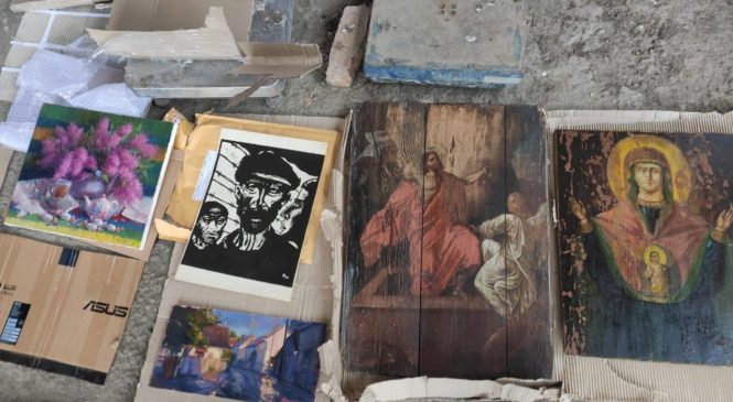 37-річний чернівчанин  намагався вивезти з України культурні цінності