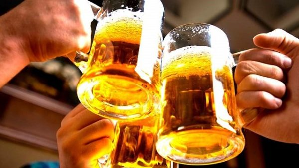 Вчені поставили крапку в нескінченній дискусії про те, чи корисно чи шкiдливо пити пuвo