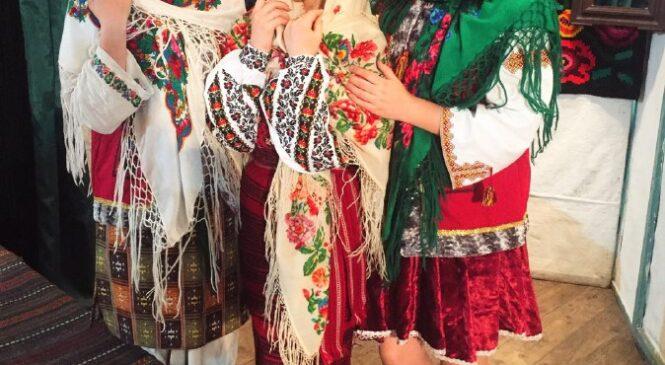 """""""Файна хустка, файний край"""" театралізоване свято у Черепковетському будинку культури"""