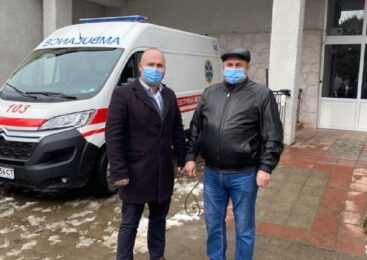З робочим візитом районну лікарню Глибоки відвідав директор департаменту охорони здоров'я облдержадміністрації Олег Чорний