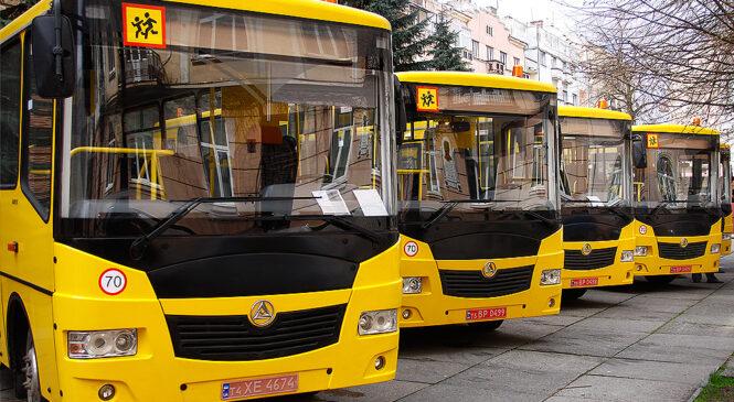 Один з десяти –  новий автобус отримала Глибоцька громада, який придбала Чернівецька ОДА