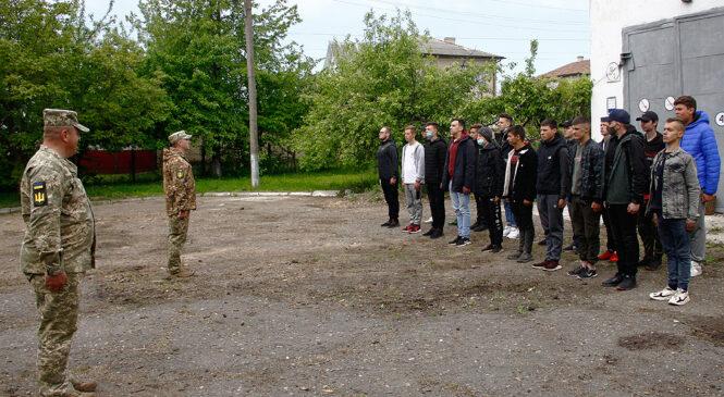 Заняття з вогневої підготовки з студентами Глибоцького професійного ліцею