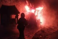 Вночі, 20 липня пожежа виникла в господарській будівлі в смт Глибока