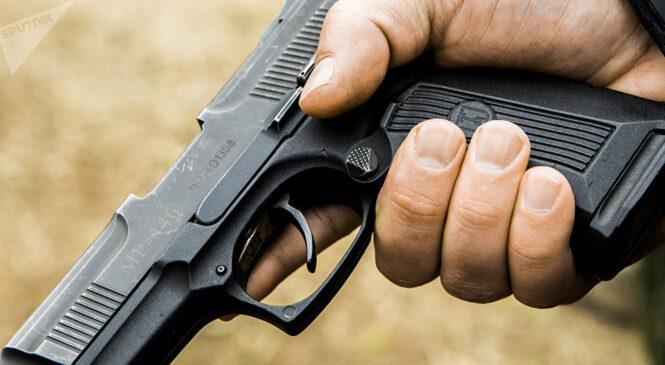 Поліцейські вилучили у буковинця нелегальну зброю