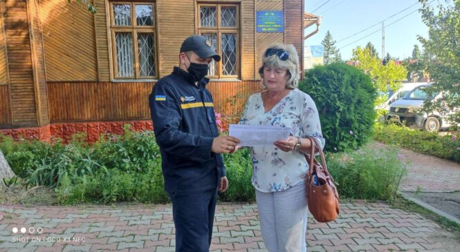 Працівники ДПРЧ-14 провели  масово-розяснювальну роботу серед населення селища Глибока