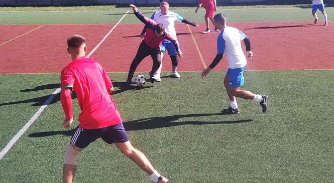 Триває першість Глибоцької дитячо-юнацької спортивної школи з міні-футболу серед мешканців Глибоцької ТГ