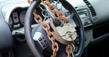 Поліція Буковини нагадує автомобілістам як захистити авто від незаконного заволодіння